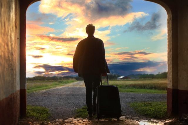 ひとり旅の男