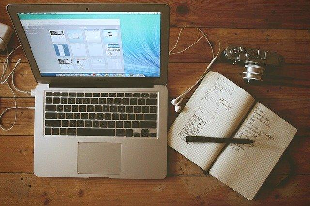 ブログを書いているパソコン