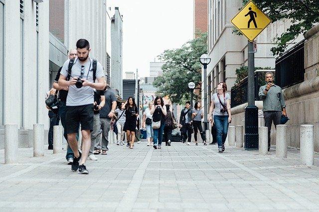 街ゆく人々