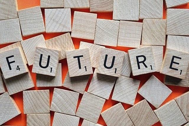 futureと書かれた積木